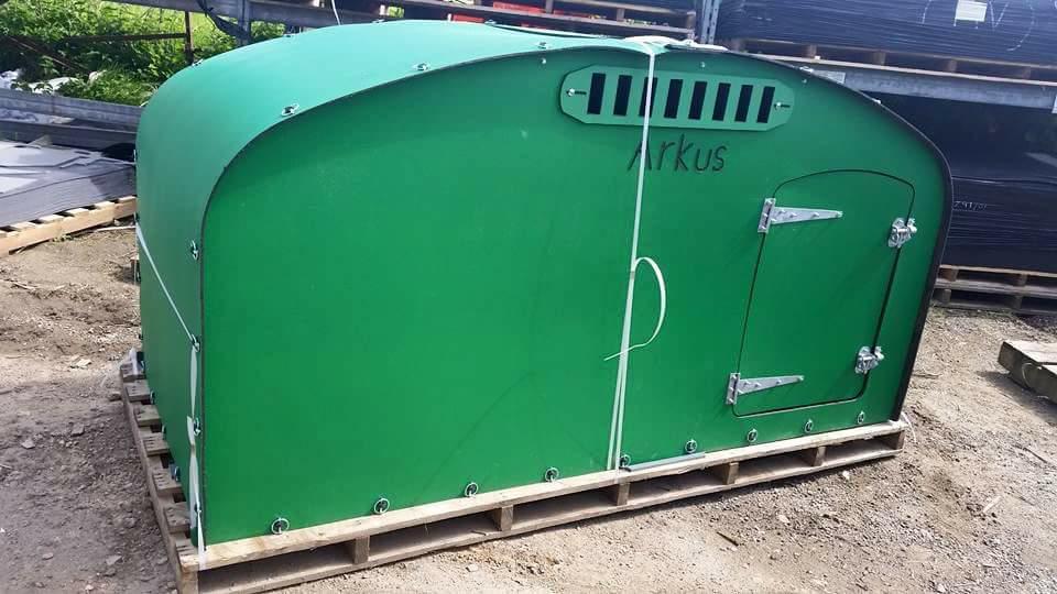 special-8x4-ark-with-door-in-green.jpg